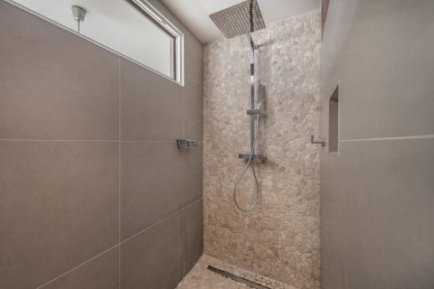 Casadéco :  Pose de douche à l'italienne à Chalamont